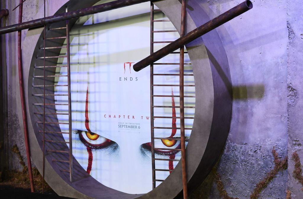 """Ein Plakat kündigt den Kinostart von """"Es – Kapitel 2"""" bei der Premiere in Kalifornien an. Foto: AFP"""
