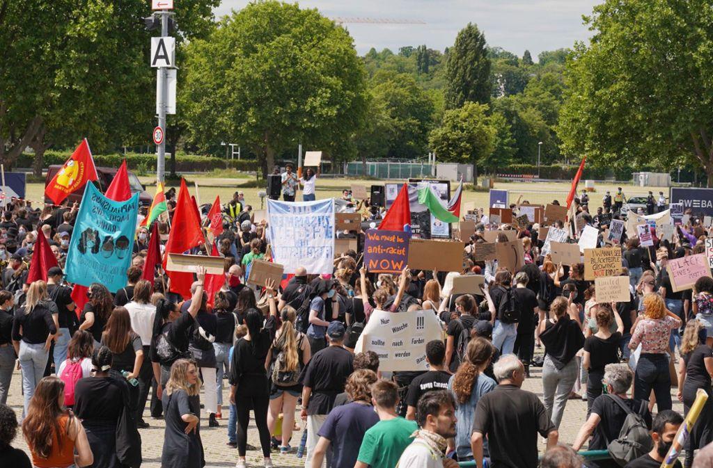 Bei der Anti-Rassismus-Demo auf dem Cannstatter Wasen blieb alles friedlich. Foto: Andreas Rosar/Fotoagentur-Stuttgart