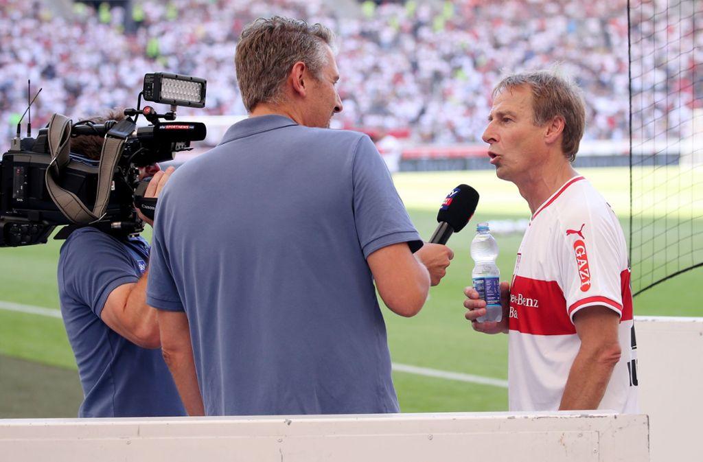 Jürgen Klinsmann (r.) könnte bald ein noch gefragterer Interviewpartner werden. Foto: Baumann