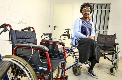 Rollstühle und Rollatoren für die Armen