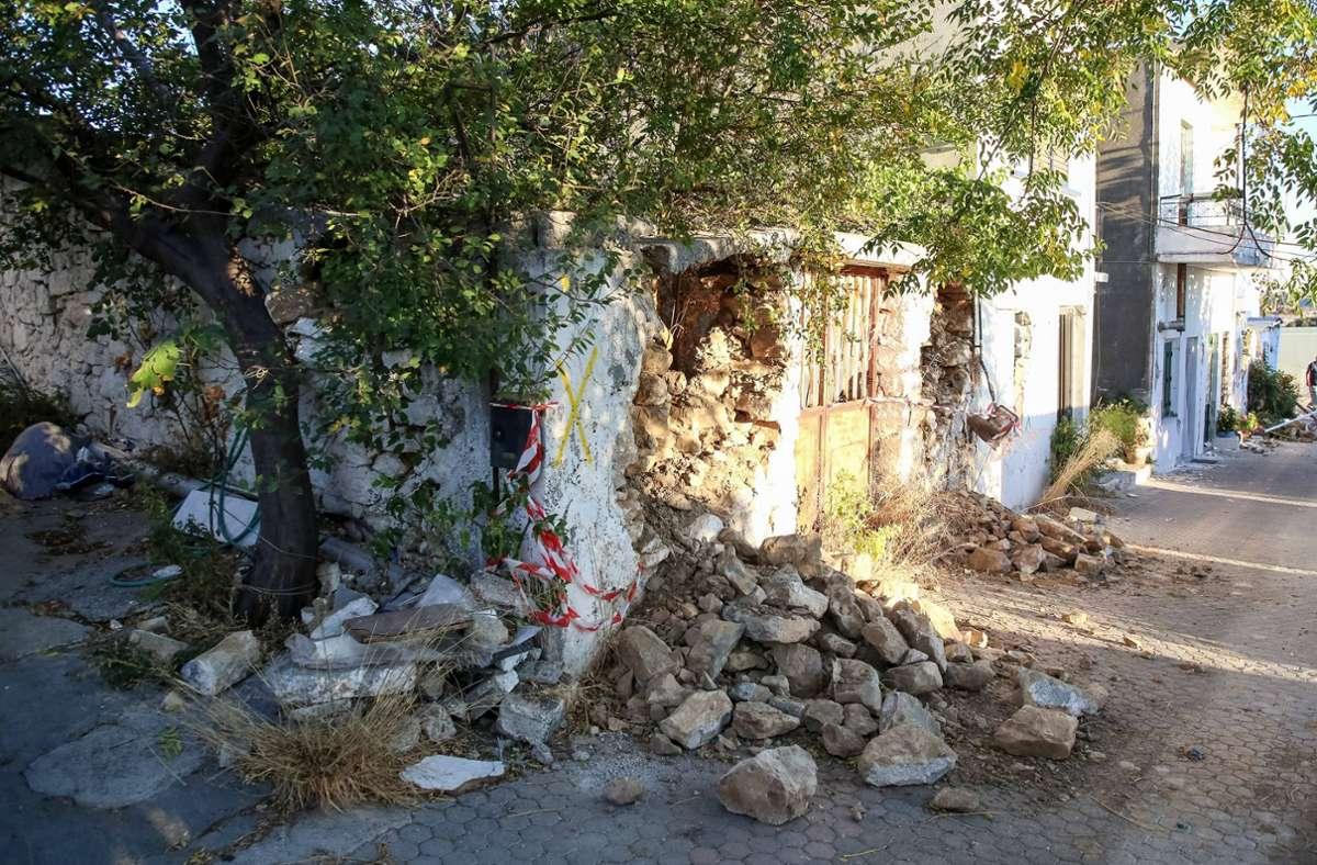 Das Erdbeben am Montag hatte schwere Schäden angerichtet. Foto: imago images/ANE Edition/Stefanos Rapanis