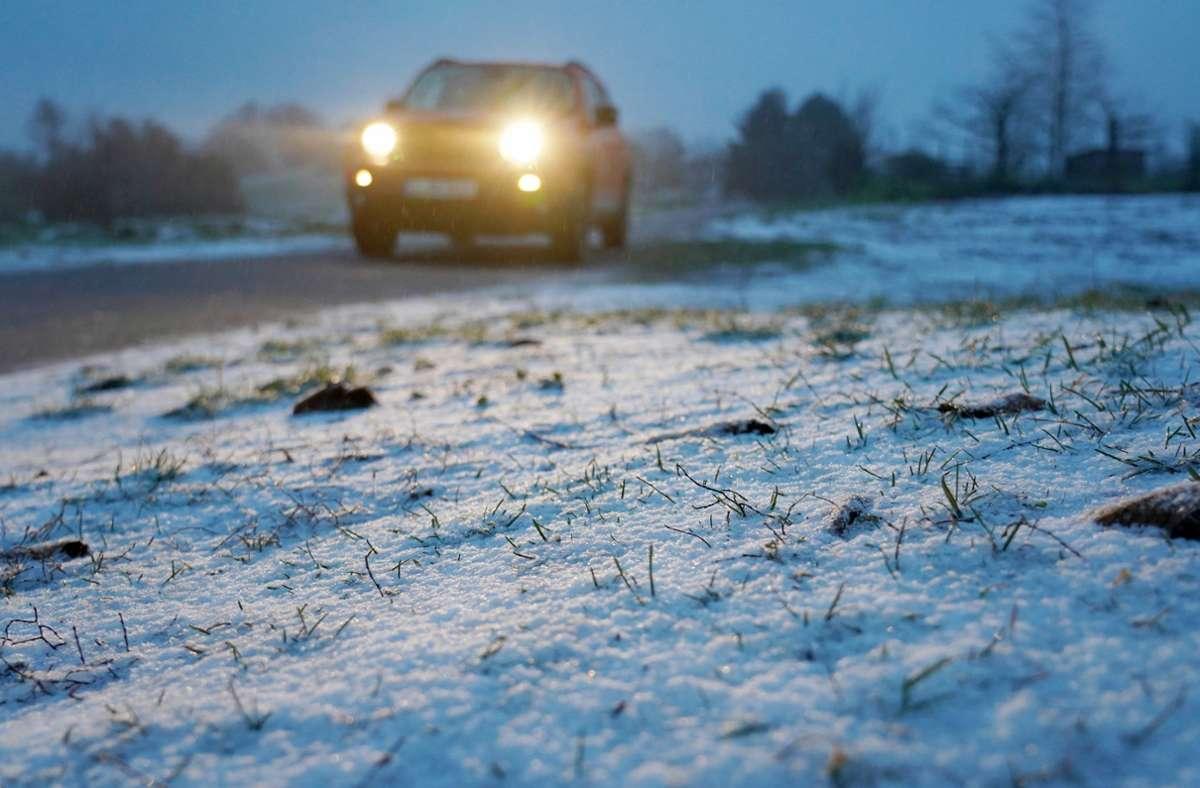 Der Schneefall in Baden-Württemberg hat zu einigen Unfälle geführt. (Symbolbild) Foto: dpa/Andreas Rosar
