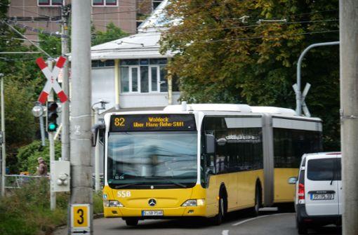 Der Busfahrer hält auf Ansage