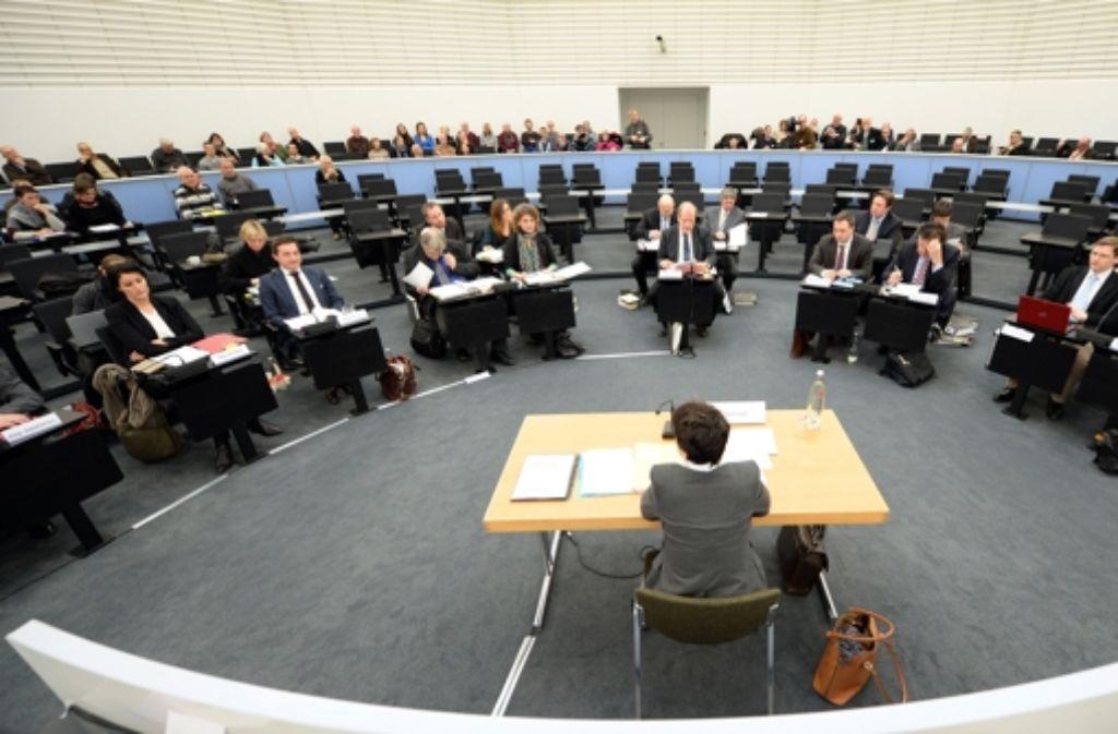 Als Zeugin im Mittelpunkt: Tanja Gönner vor dem U-Ausschuss Foto: dpa