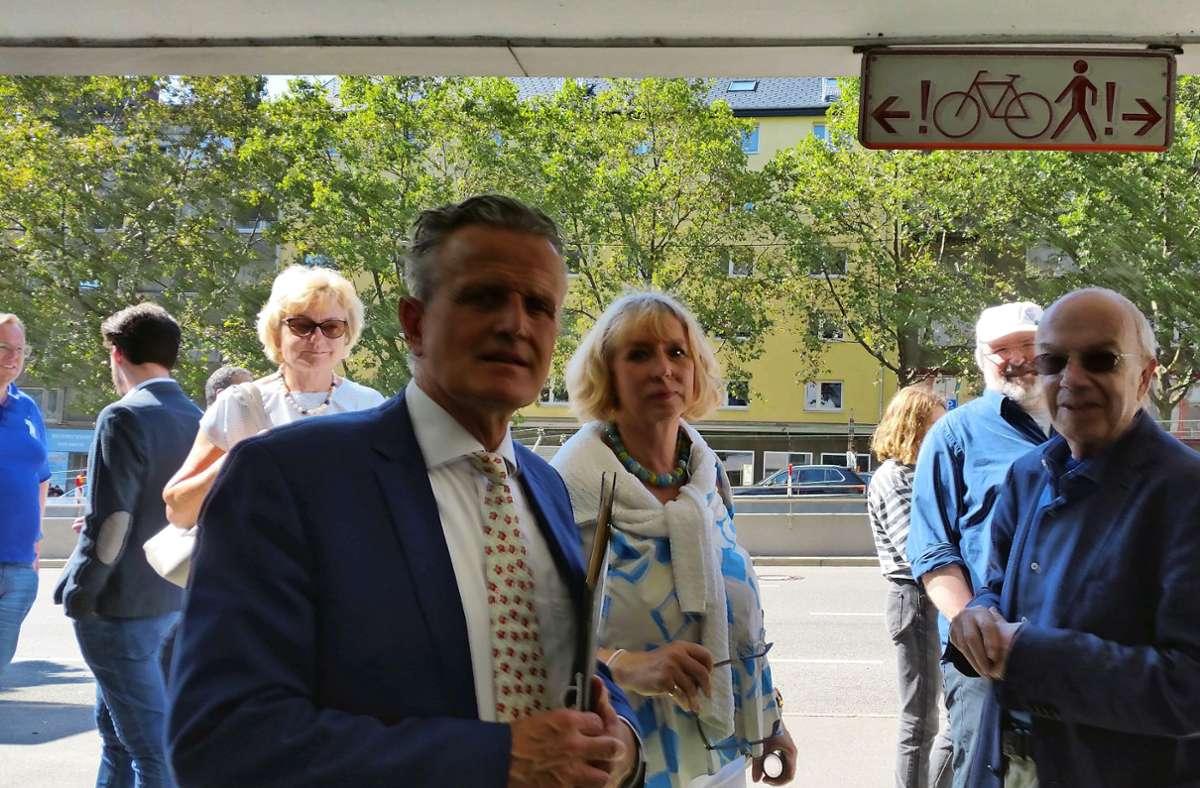 OB Nopper (li.) und Sabine Mezger  bei  der der Tiefgarage an der  Heilbronner Straße Foto: Funke