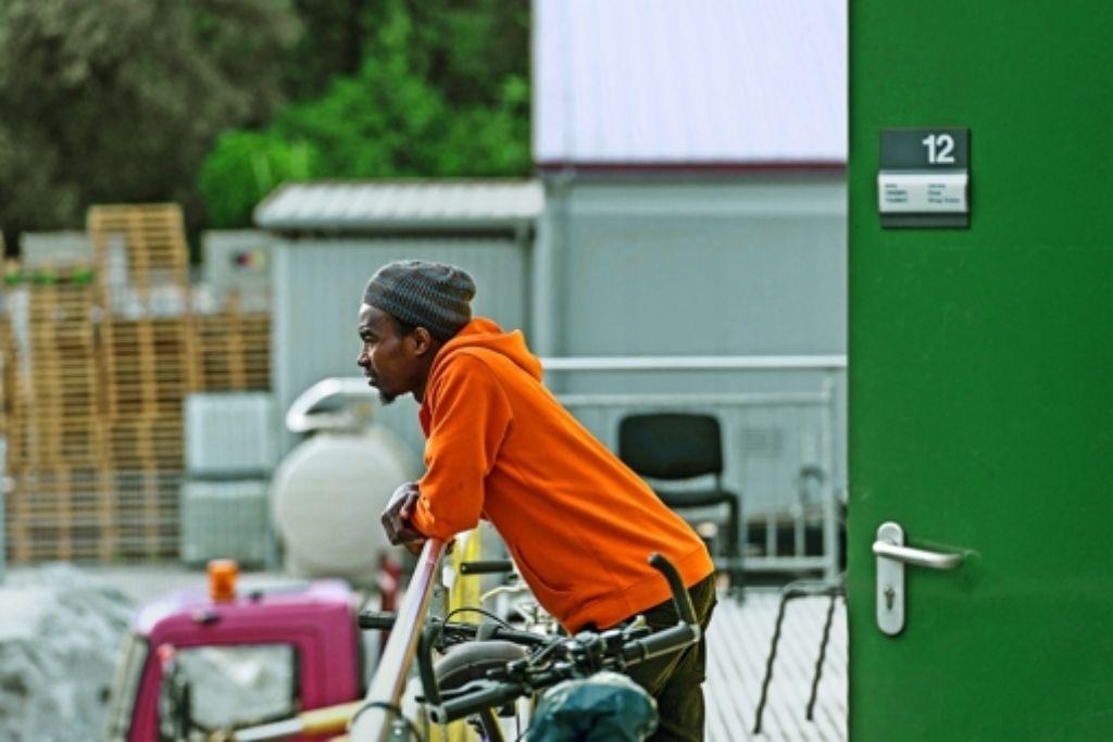 Abwarten, abhängen: für Flüchtlinge ohne feste Arbeit kann es mitunter schwierig werden, den Tag zu überstehen. Foto: factum/Weise