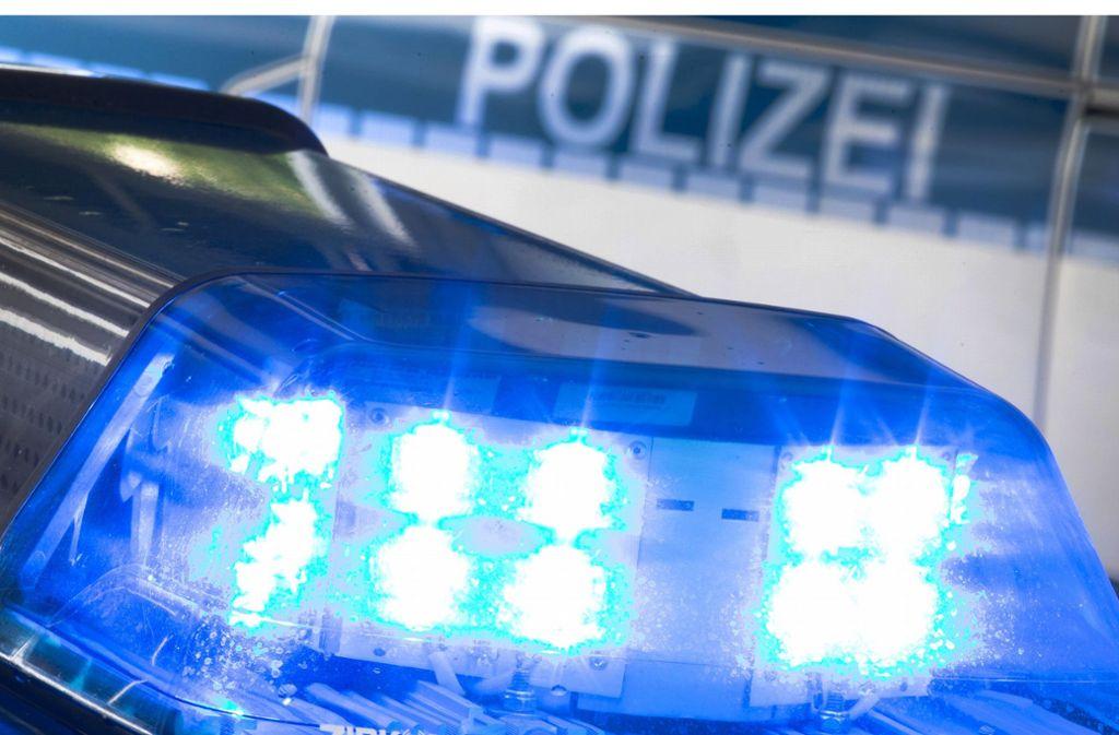 Die Verkehrspolizei sucht Zeugen, die einen Unfall in Asperg beobachtet haben. Foto: dpa/Friso Gentsch