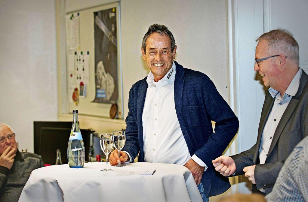 Über kumulative Ermüdungsaufstockung und andere Schikanen sprach der Trainer Rolf Brack (l.) mit Kai Holoch Foto: Horst Rudel