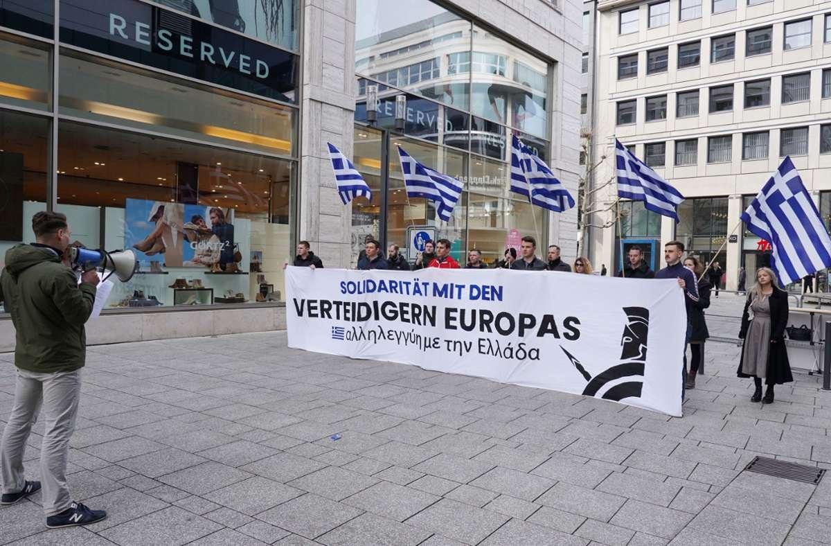 Immer wieder nutzten die Identitären die Landeshauptstadt als Kulisse ihrer Aktionen. Im März demonstrierte die rechtsextreme Gruppierung beispielsweise auf der Königstraße. Foto: Fotoagentur-Stuttgart/Andreas Rosar