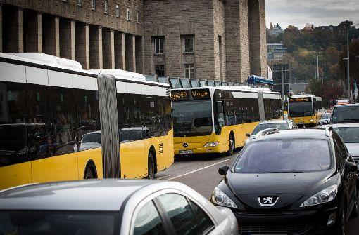 Fahrgast lobt Busfahrer für beherztes Eingreifen