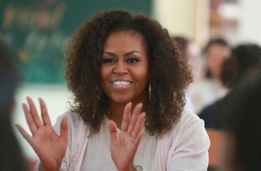Michelle Obama zeigt sich mit natürlichen Locken