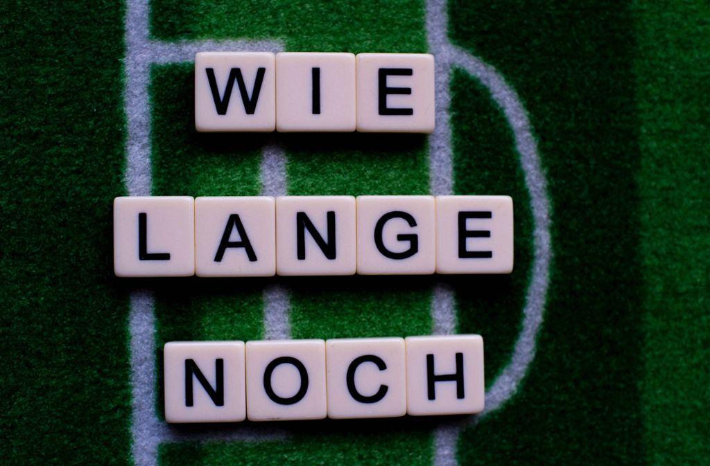 Die Antwort lautet: Kleingruppen dürfen wieder ran an den Ball. Foto: imago/Noah Wedel