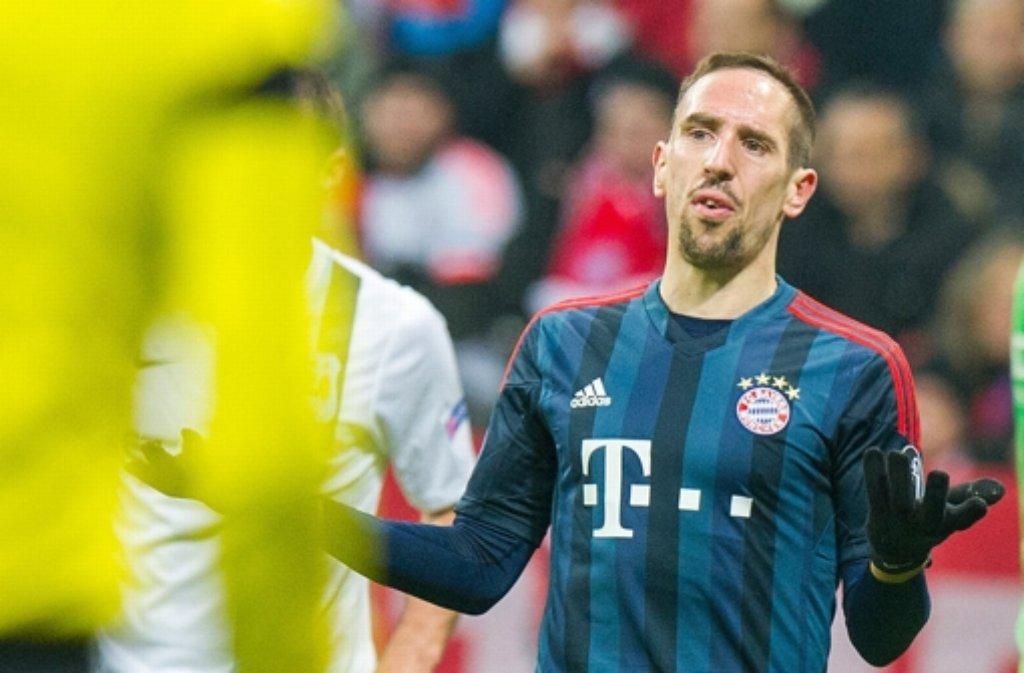 Kein Einsatz in Nürnberg: Bayern-Spieler Franck Ribéry muss nach einer Operation am Hintern im Krankenhaus bleiben. Foto: dpa