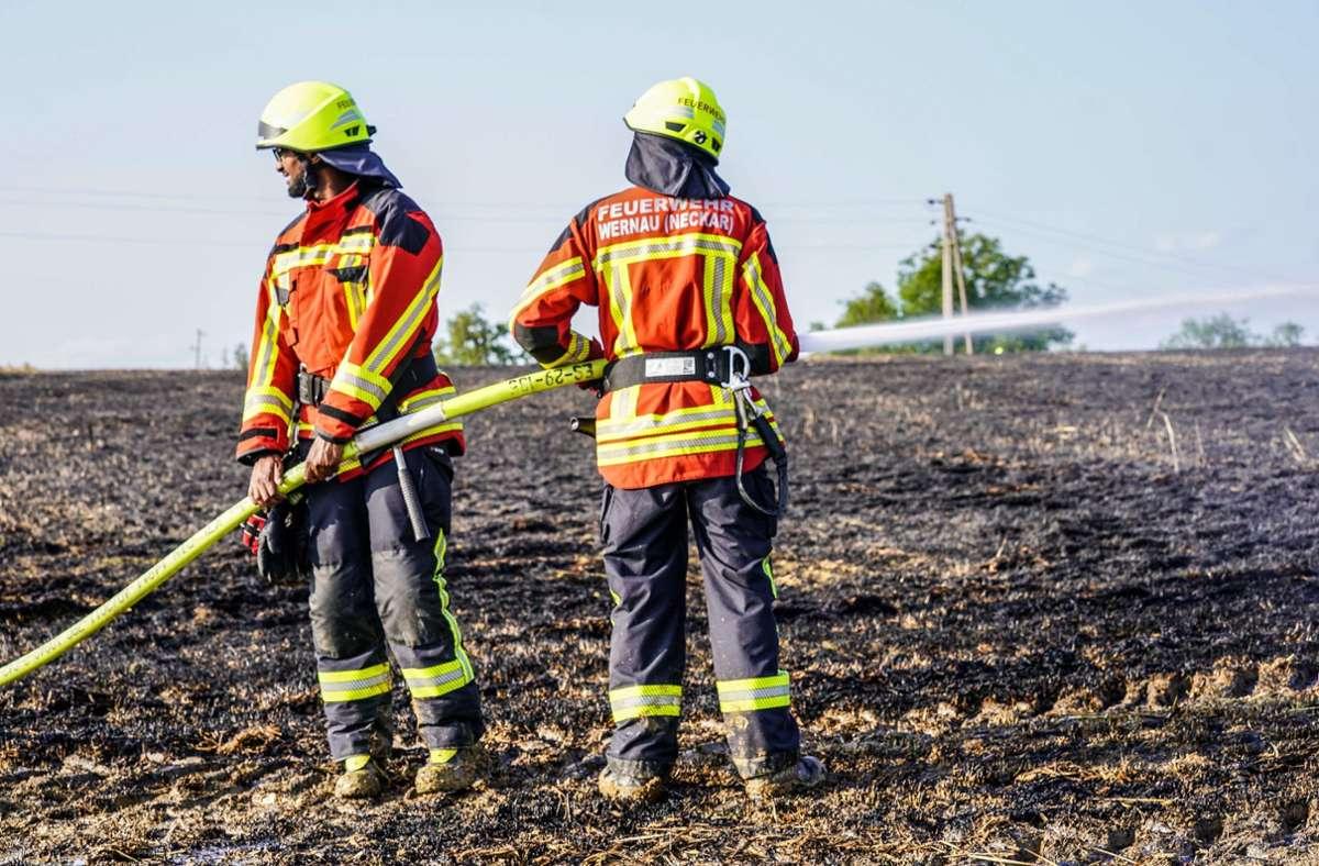 Die Feuerwehr brachte die Flammen unter Kontrolle. Foto: SDMG/Kohls