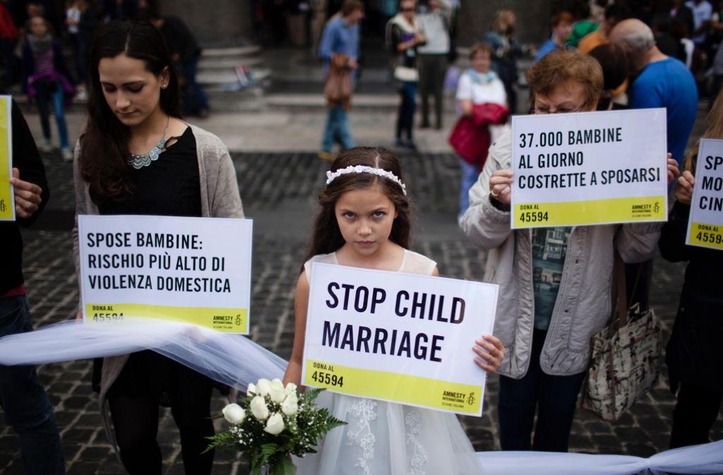 Aktion gegen die Verheiratung von Minderjährigen in Rom im Okober 2015. Foto: mauritius
