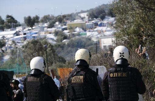 Grenzschließung oder Migranten aufnehmen?