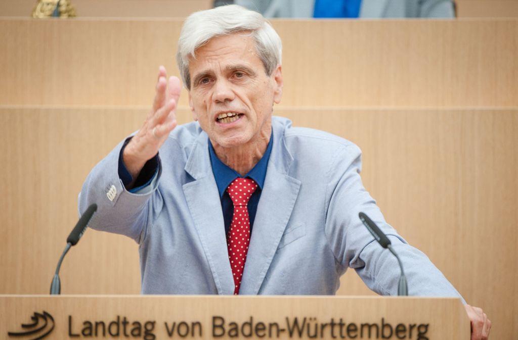 """Der Landtagsabgeordnete der AfD, Wolfgang Gedeon, steht AfD-intern als """"Antisemit"""" in der Kritik. Foto: dpa"""