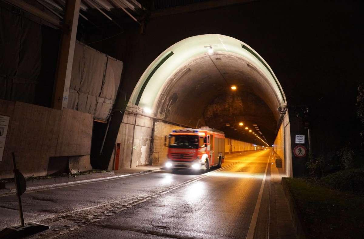 Der Wagenburgtunnel war am Dienstagabend gesperrt. Foto: Andreas Rosar Fotoagentur-Stuttgart
