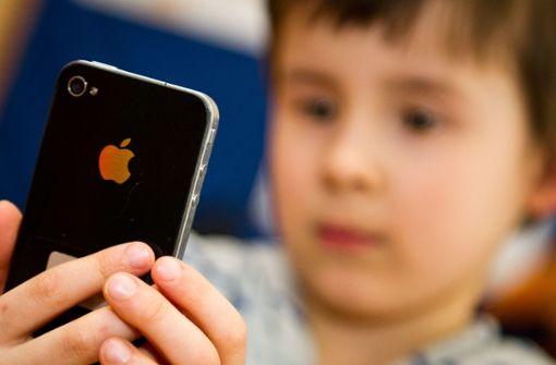 Achtjährige darf Smartphone nutzen