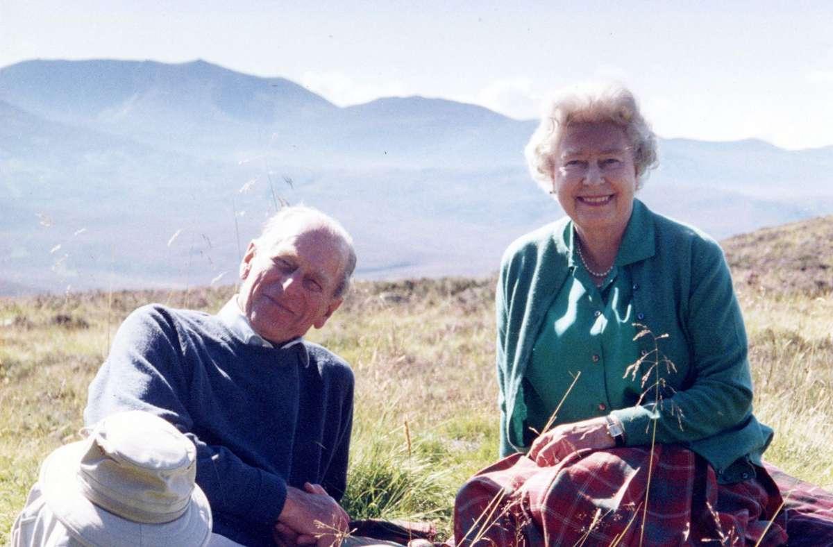 Queen Elizabeth II. mit ihrem Ehemann Prinz Philip (Archivbild). Foto: AFP/THE COUNTESS OF WESSEX