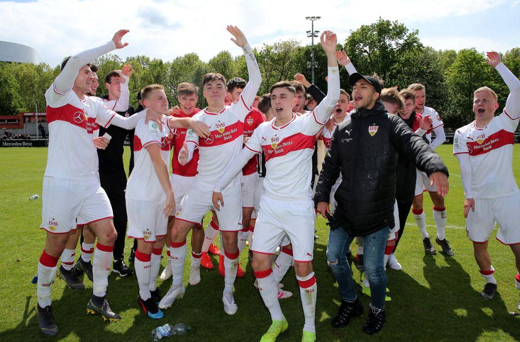 Die U19 des VfB Stuttgart ist Meister der Bundesliga Süd/Südwest. Foto: Pressefoto Baumann