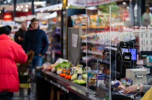 So klappt es mit den strengen Regeln in den Supermärkten