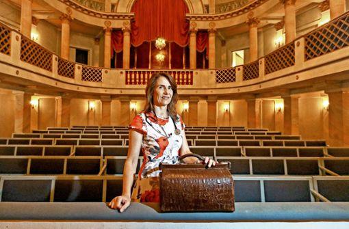 Die  Theaterärztin: Mit Spritze ins Konzert