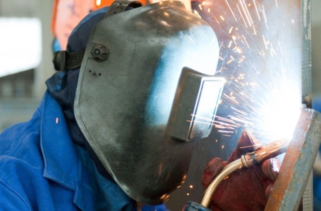 Die Metallarbeitgeber gehen mit einem runderneuerten Modell zur Qualifizierung  ihrer Beschäftigten in die Offensive Foto: dpa