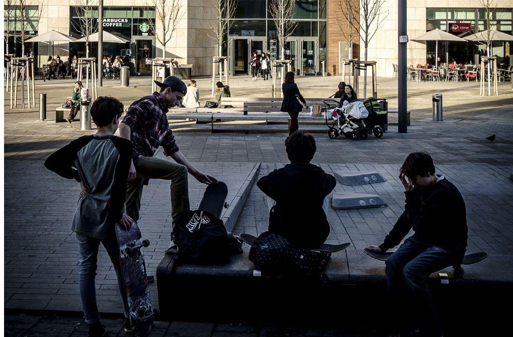 Das Milaneo ist ein Anziehungsort für Jugendliche. Foto: Lichtgut/Leif Piechowski