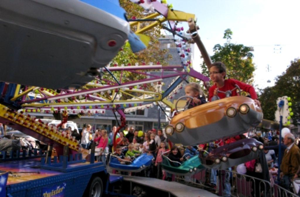 Mit dem Twister an der Pauluskirche geht es für die kleinen Besucher rund. Foto: Sauer