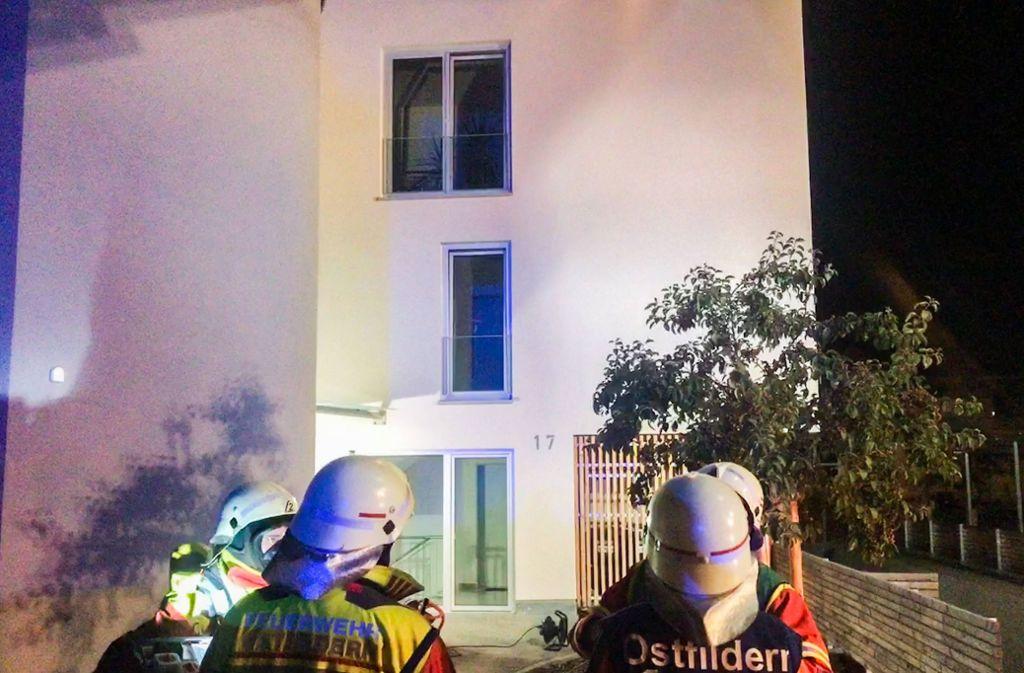 Die Feuerwehr war schnell vor Ort. Die Bewohner blieben unverletzt. Foto: 7aktuell.de/Max Rühle