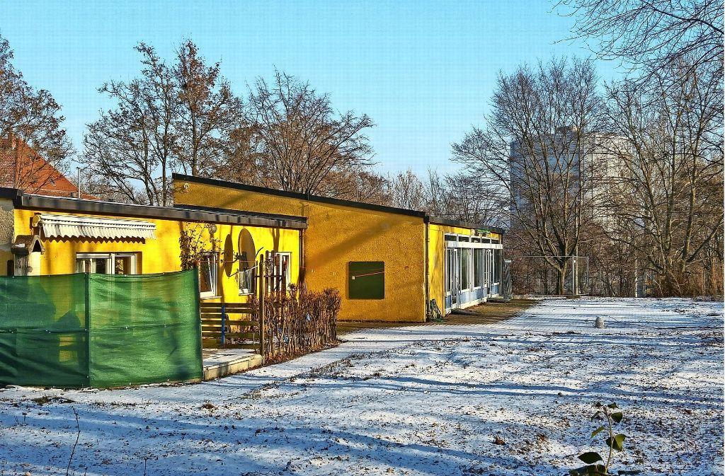 Das einstige Kindergartengebäude an der Parkstraße soll abgerissen und durch eine neue Kita ersetzt werden. Im Untergrund befindet sich eine Bunkeranlage. Foto: Jürgen Brand