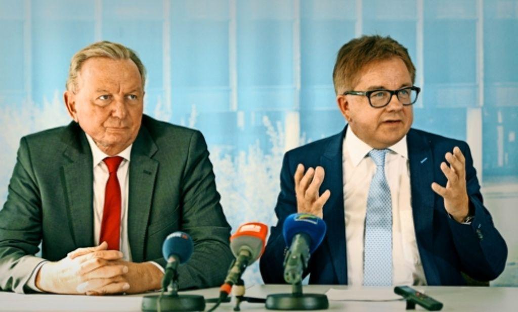 Sonst Gegenspieler, nun Seite an Seite: Claus Schmiedel (SPD, links) und Guido Wolf (CDU) bei ihrem gemeinsamen Auftritt Foto: dpa