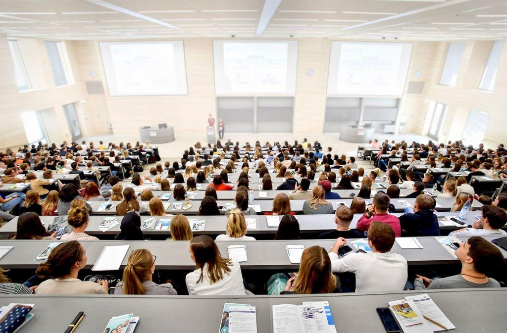 Drei verschiedene Varianten für ein Semesterticket sind in der Diskussion Foto: Lichtgut / Ferdinando Iannone©