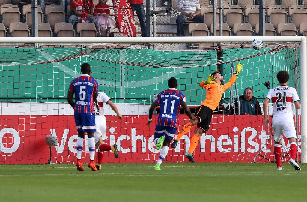 Der VfB Stuttgart hat in der ersten Runde des DFB-Pokal ein peinliches Aus knapp vermieden. Foto: Pressefoto Baumann