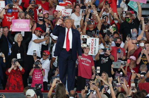 """Trump kehrt auf Wahlkampfbühne zurück - """"Fühle mich so stark"""""""