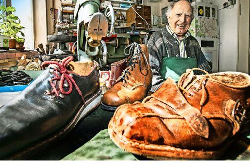 Der 90-jährige Schuhmacher aus Aich