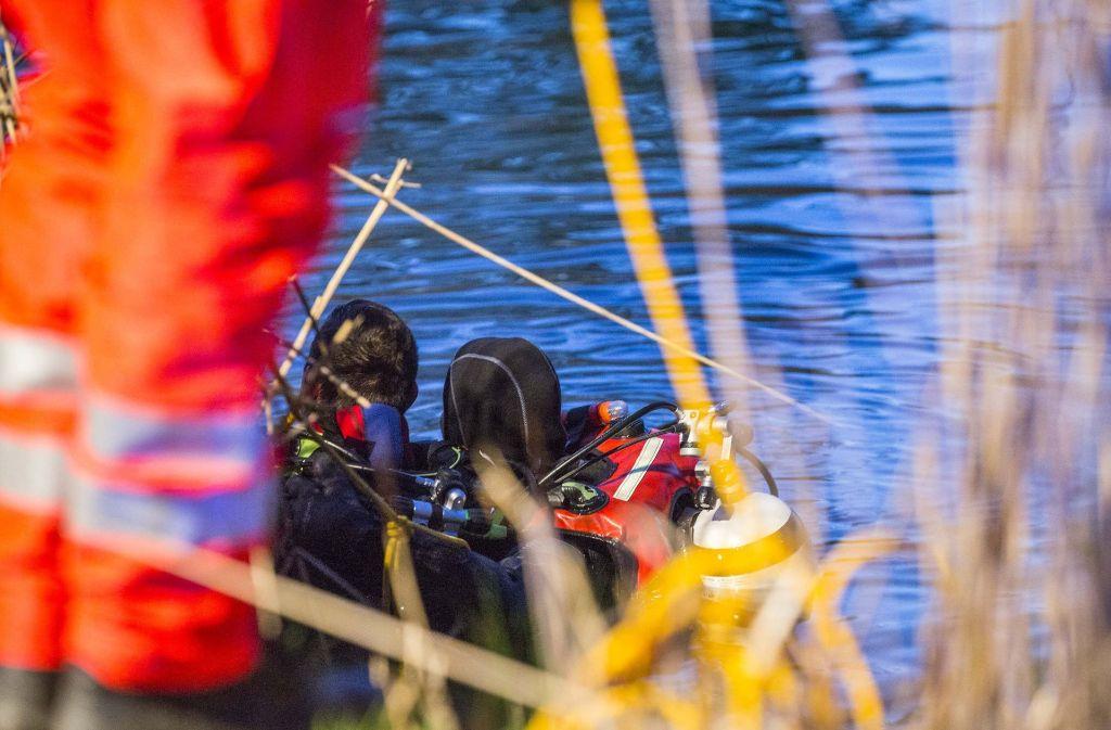 Die alarmierten Rettungskräfte suchten mit Booten und Tauchern den See ab, konnten den Mann aber nur noch tot bergen (Symbolfoto). Foto: 7aktuell.de/Adomat