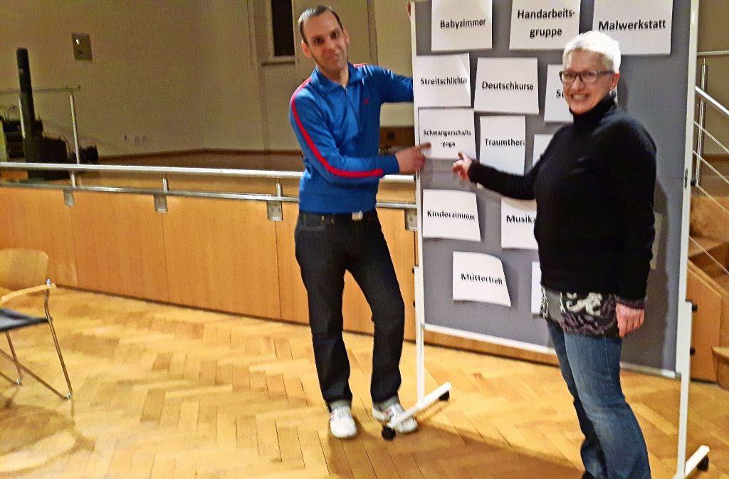 Philipp Heinritz und Christine Göttler-Kienzle stellen die Arbeitsgruppen vor. Foto: Eva Funke