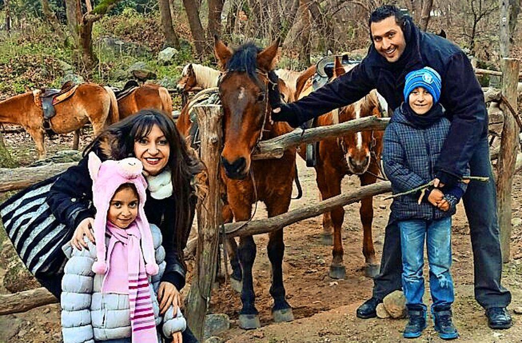 Dimitra und Charis Organtzi tun alles, um ihren Kindern ein gutes Leben zu ermöglichen. Foto: StZ