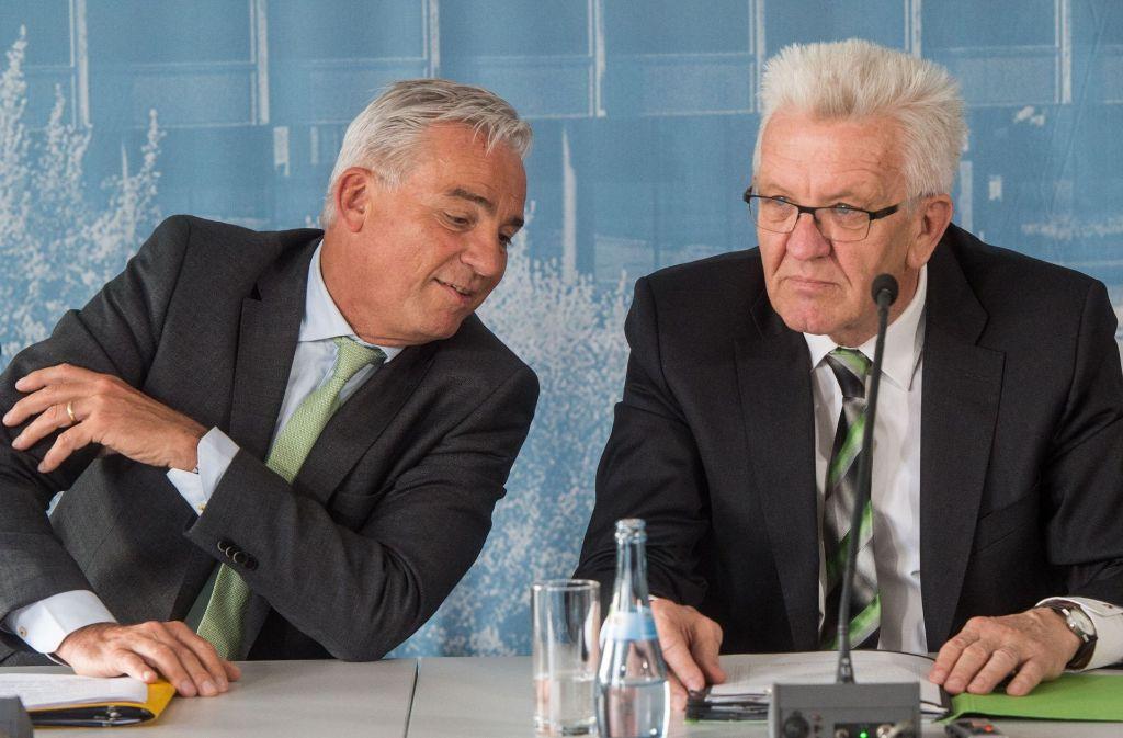 Gemeinsam präsentieren Winfried Kretschmann und Thomas Strobl die Digitalisierungsstrategie. Foto: dpa