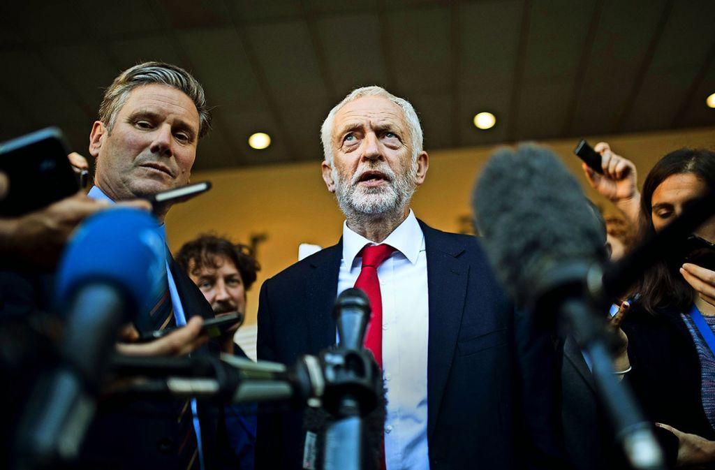 Hält sich in Sachen Brexit-Referndum bedeckt:  Jeremy Corbyn Foto: AP