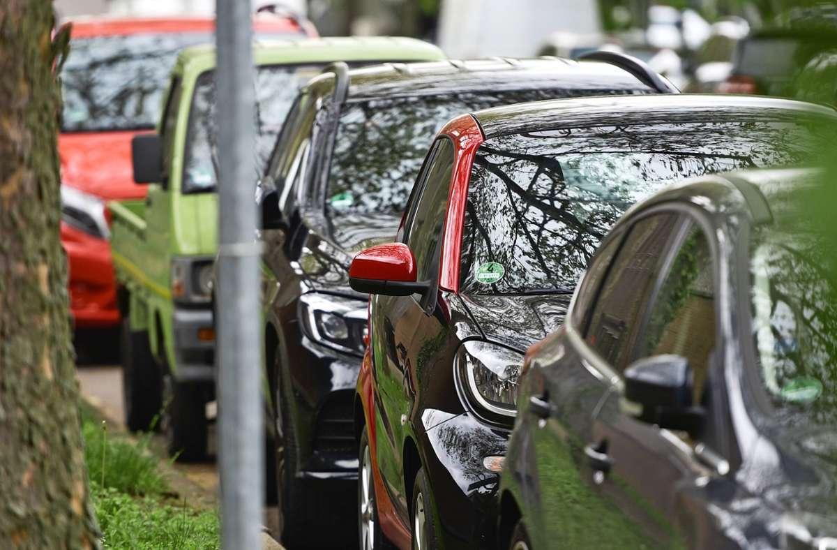 Das Parken am Straßenrand ist bereits in einigen Wohngebieten in Leinfelden neu reglementiert worden. Foto: Lichtgut/Max Kovalenko