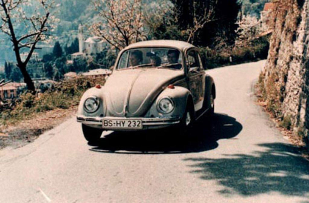 Der Inbegriff deutscher Wertarbeit brachte den Deutschen ungeahnte Mobilität: Der VW Käfer ist bis heute ein Mythos. Vor zehn Jahren, am 10. Juli 2003, wurde die Produktion der letzten Käfer im mexikanischen Puebla eingestellt - fast 70 Jahre nachdem in einer Garage in Stuttgart der erste Prototyp gebaut wurde.  Foto: Volkswagen AG