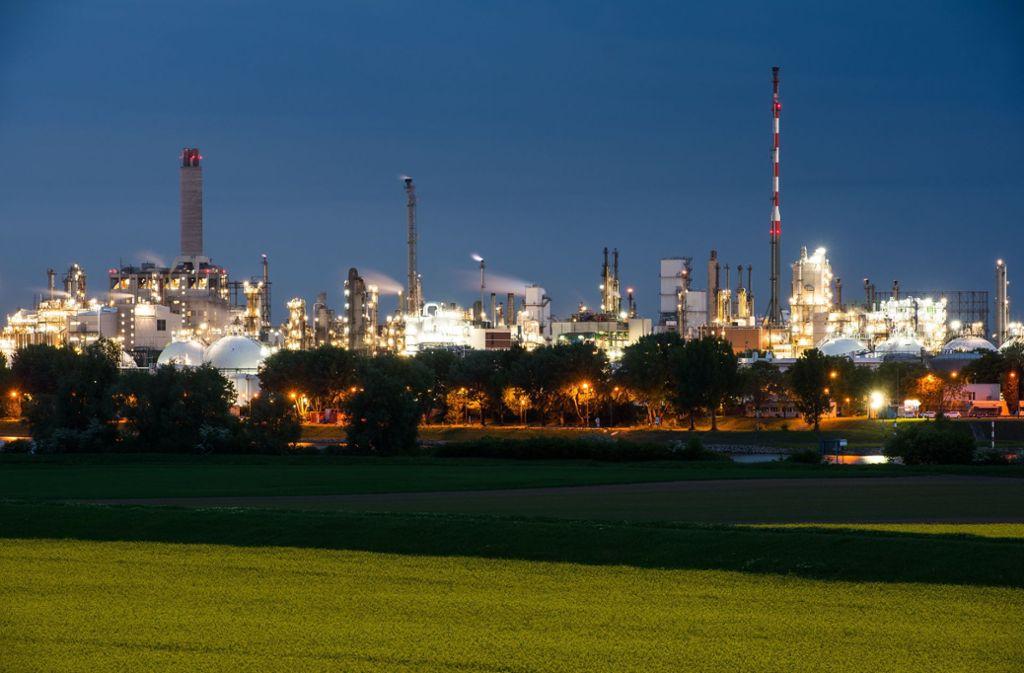 Im Sommer hatte BASF die Jahresprognose wegen der Autoflaute und des Zollstreits zusammengestrichen. Foto: dpa/Andreas Arnold