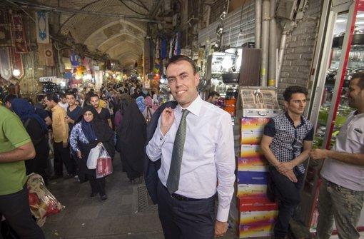 Knapp eine Woche  hat Nils Schmid  den Iran bereist. Auch   Zeit für  den Besuch eines  Basars  in Teheran war  dabei drin. Foto: Ministerium für Finanzen und Wir