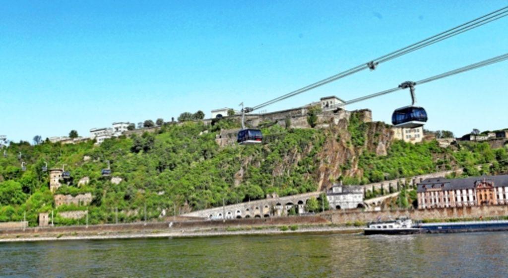 Eine Seilbahn im Stadtverkehr – in Koblenz funktioniert das seit der Bundesgartenschau 2011. Vor allem Touristen gondeln zur Festung  Ehrenbreitstein. Foto: dapd