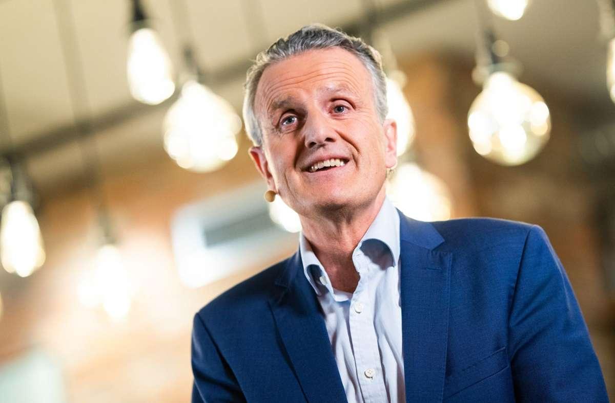 Frank Nopper (CDU) wird neuer Oberbürgermeister von Stuttgart. Beim zweiten Wahlgang landete er vor Marian Schreier (unabhängig / SPD) und  Hannes Rockenbauch (SÖS). Foto: dpa/Tom Weller
