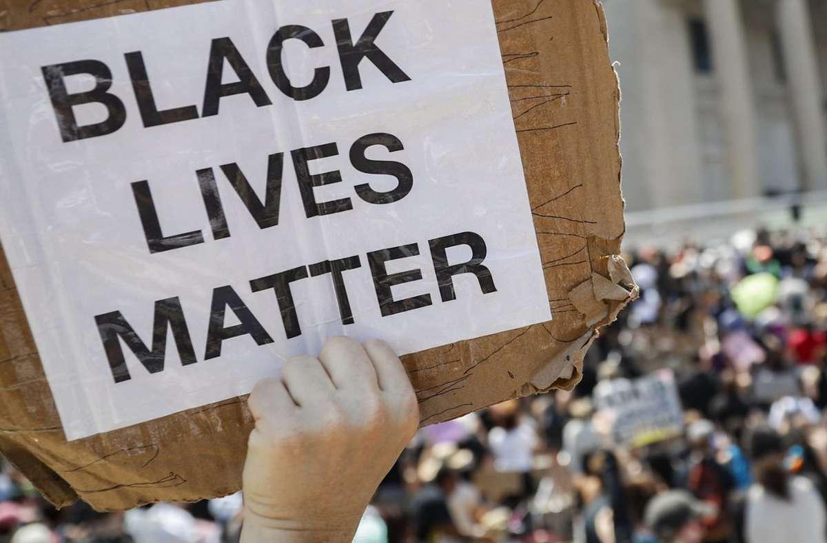 """In der US-Stadt Memphis wurde Bürgern mit """"Black Lives Matter""""-Aufdruck die Stimmabgabe verwehrt. Foto: AP/John Minchillo"""
