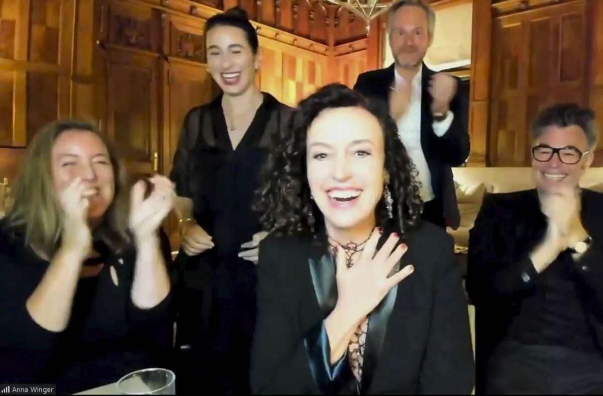 """Maria Schrader (vorne) und das """"Unorthodox""""-Team bei der Videoschalte von Berlin nach Los Angeles Foto: dpa"""